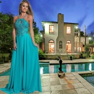 💖Gorgeously Beaded Bodice w/Cutout Evening Gown💖